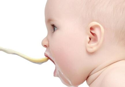 宝宝腹胀吐奶怎么办